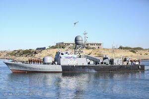 اخطار به زیردریایی بیگانه در نزدیکی رزمایش دریایی ارتش ایران +فیلم