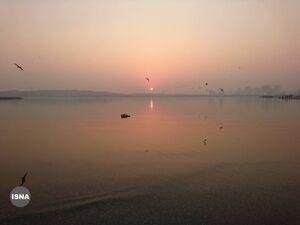 تصویری از هوای آلوده در دریاچه چیتگر