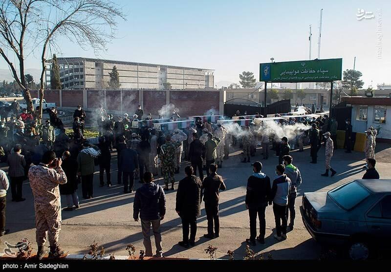 تشییع پیکر ۱۵ تن از شهدا دفاع مقدس در شیراز