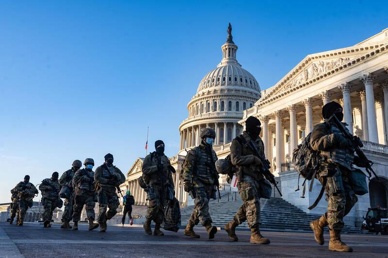 حضور ۲۰ هزار نیروی گارد ملی آمریکا در واشنگتن