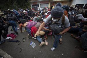 عکس/ حرکت هزاران مهاجر به سمت مرزهای آمریکا