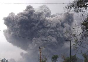 عکس/ آتشفشان مرتفعی که از خواب بیدار شد