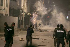 تظاهرات و درگیری در شهرهای تونس
