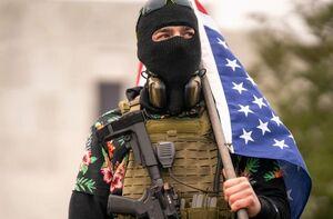 فیلم/ گروههای مسلح آمریکا در آستانه شورش