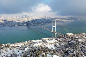 عکس/ استانبول پیراهن سفید برفی به تن کرد