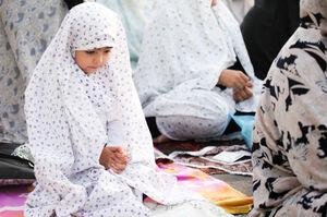 چگونه کودکان را با اهمیت نماز آشنا کنیم؟
