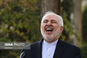 عکس/ خندههای ظریف هنگام پاسخ به خبرنگاران