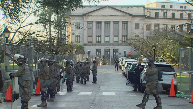 تشدید تدابیر امنیتی برای برگزاری مراسم تحلیف بایدن: واشنگتن، شهر جنگی آمریکا