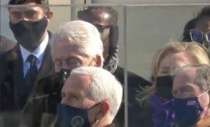 عکس/ چرت زدن بیل کلینتون در مراسم تحلیف