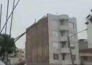 فیلم/ سقوط اسکلت فلزی ساختمان در حال ساخت در مشهد