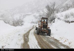 کولاک برف و برودت شدید هوا در جادههای برخی استانها