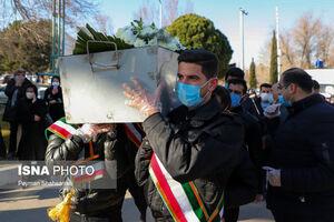 عکس/ تشییع سیزدهمین شهید مدافع سلامت اصفهان