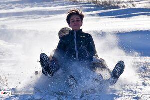 عکس/ شادی مردم بجنورد از بارش برف