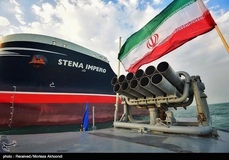 ظریف چگونه پاسخ حمایتهای دیپلماتیک و اقتصادی سپاه پاسداران را داد؟ +فیلم و عکس