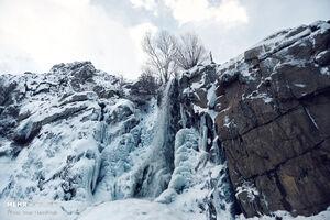 عکس/ منجمد شدن آبشار گنجنامه همدان
