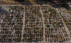 تصویر هوایی از قبرستان قربانیان کرونا در مکزیک