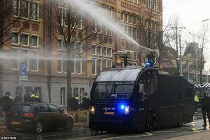 عکس/ وضعیت جنگی در پایتخت هلند