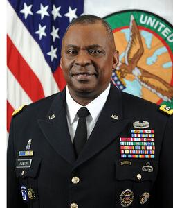 «لوید آستین» کیست؟ / فرمانده سابق تروریستهای سنتکام و اولین وزیر دفاع سیاهپوست آمریکا +عکس و فیلم