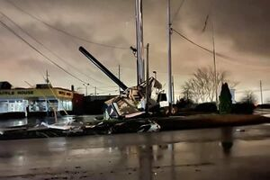 عکس/ گردباد در آلاباما چندین خانه را ویران کرد