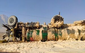 عکس/ واژگونی تانکر حامل بنزین در اصفهان