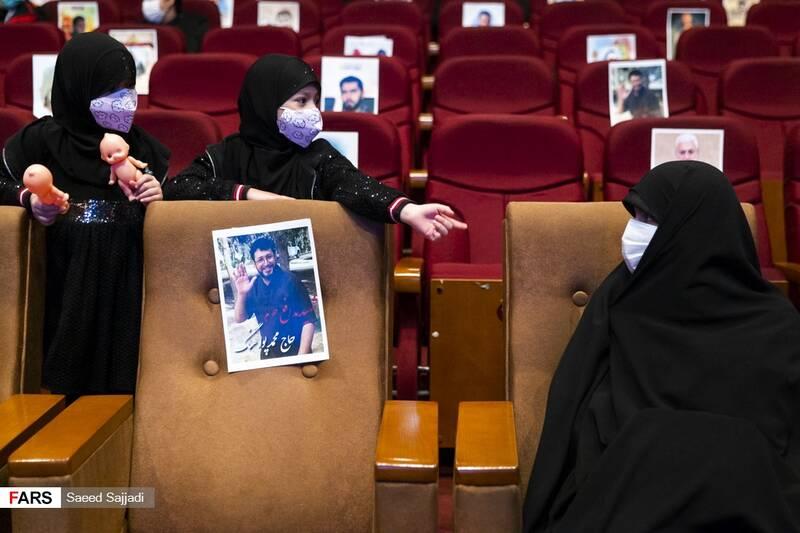 خواهر شهید اصغر پاشاپور در نخستین مراسم سالگرد شهادت شهید پاشاپور