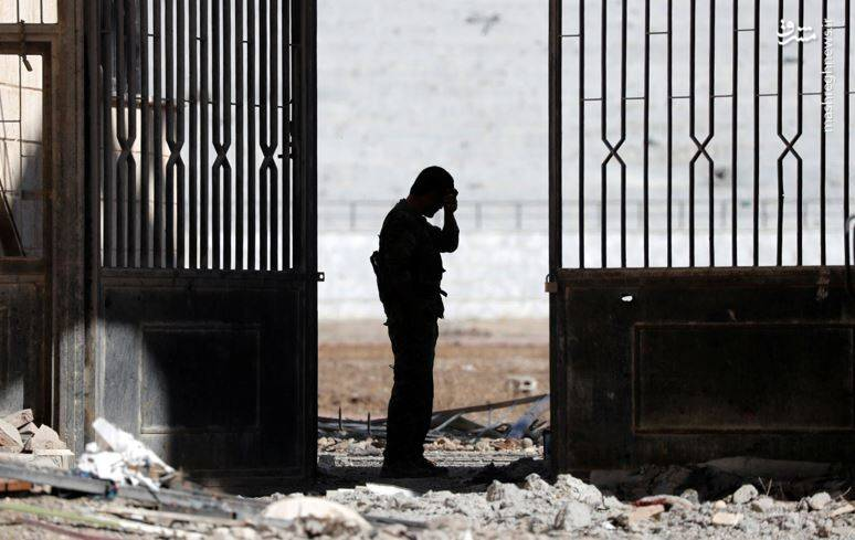 انتشار اولین تصاویر از زندان داعش در شهر «رقه» سوریه / ورزشگاهی که به «زندان مرگ» تبدیل شد + عکس