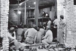 عکسی تاریخی از حسینیه جماران