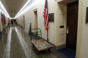 عکس/ گاری رها شده در ساختمان مجلس نمایندگان آمریکا