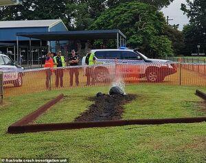 عکس/ سقوط شهاب سنگ در یک مدرسه!