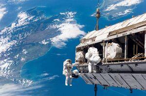 اقامت در ایستگاه فضایی چه بلایی سر بدن میآورد؟ +فیلم