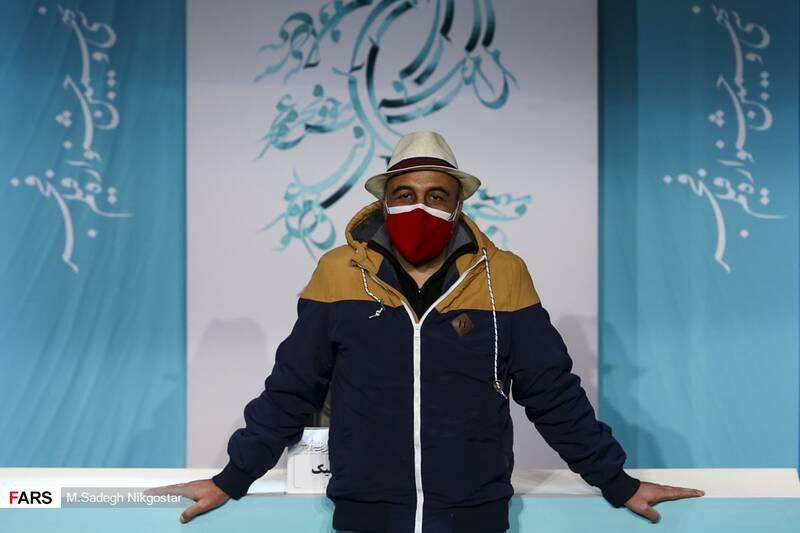 حاشیههای دومین روز جشنواره فیلم فجر/ از هشدار ستاد کرونا تا شوخی رضا عطاران با ماسک