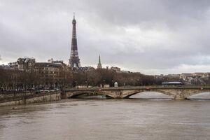 عکس/ حضور رای دهندگان انتخاباتی در پاریس