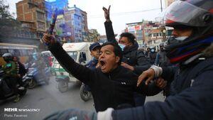 عکس/ درگیری پلیس نپال با معترضان ضد دولتی