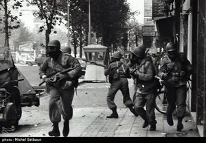 تانک مأموران پهلوی را گرفت؛ شهیدش کردند!
