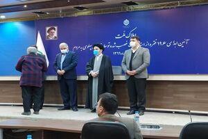 فیلم/ اهدای اسناد املاک غصبی خاندان پهلوی به مردم آذربایجانغربی