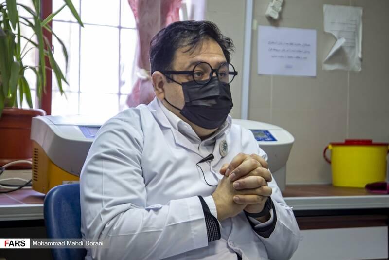 آخرین تغییرات در ویروس کرونا/ واکسیناسیون چقدر از ابتلا به کووید ۱۹ جلوگیری میکند؟ +فیلم