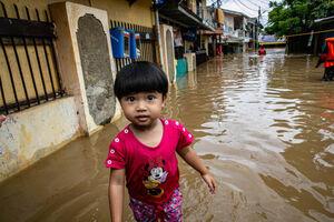 سیل در حومه شهر جاکارتا اندونزی