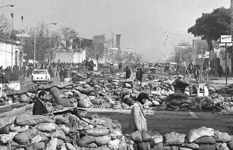 جنگ شهری در خیابان پیروزی تهران