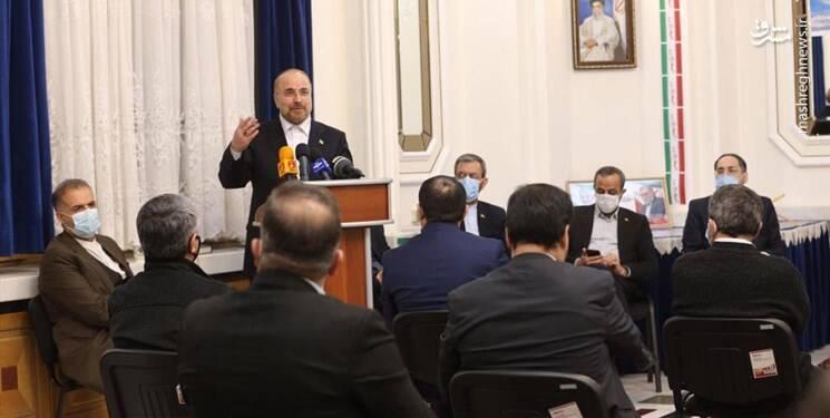 نقصها و نارساییها مربوط به مدیریتهاست و ربطی به انقلاب اسلامی ندارد/ مشکلات اقتصادی را میتوانیم در یک برنامه ۵ ساله حل کنیم