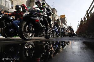 فیلم/ میدان آزادی مملو از موتورسواران