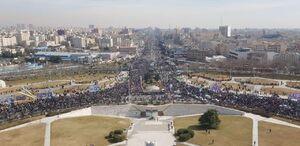 تصویری از فراز میدان آزادی و حضور جمعیت در راهپیمایی ۲۲ بهمن