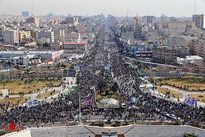 نمایشی متفاوت از اقتدار ملت بزرگ ایران / همدلی مردم در راهپیمایی ۲۲ بهمن با حضور خودرویی/ نمایش موشکهای بالستیک در پایتخت +عکس و فیلم