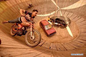 موتورسواری بر روی دیوار مرگ