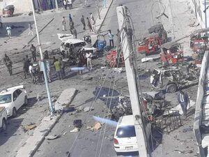 عکس/ انفجار خودرو بمبگذاری شده در سومالی