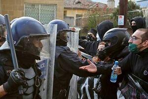 زد و خورد پلیس قبرس با معترضان به فساد دولتی