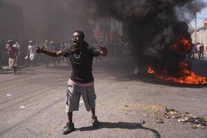 عکس/ تظاهرات ضد دولتی در پایتخت هائیتی