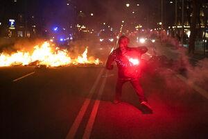 فیلم/ خیابانهای بارسلون به آتش کشیده شد!
