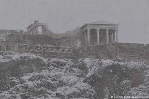 فیلم/ شدیدترین بارش برف یونان در ۱۲ سال گذشته