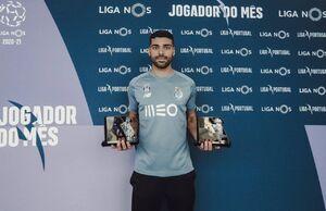 عکس/ طارمی بهترین بازیکن و مهاجم ماه پرتغال