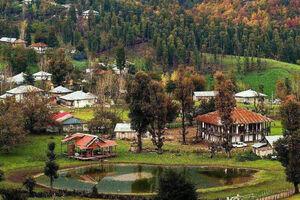 نمایی زیبا از روستای استخرگاه